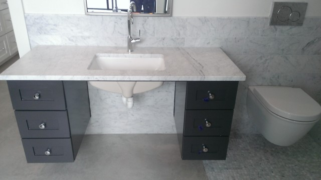top bathroom 13